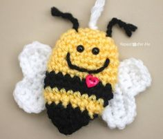 Crochet Bumble Bee Keychain - Repeat Crafter Me - http://www.repeatcrafterme.com/2015/01/crochet-bumble-bee-keychain.html