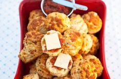 Smoked streaky bacon, spring onions and mature Cheddar cheese give these scones plenty of flavour. Serve with a little chutney and cheese for a delicious snack Lunch Snacks, Savory Snacks, Yummy Snacks, Snack Recipes, Yummy Food, Yummy Recipes, Breakfast Recipes, Savory Bread Recipe, Bread Recipes