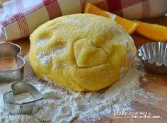 Pasta frolla all'arancia ricetta dolce base, per preparare biscotti, tartellette,crostate, dolce e profumata con succo di arance nell'impasto