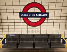 Resultados de la Búsqueda de imágenes de Google de http://us.123rf.com/400wm/400/400/edella/edella1203/edella120300040/12903978-the-tube-station-in-london-underground-uk.jpg