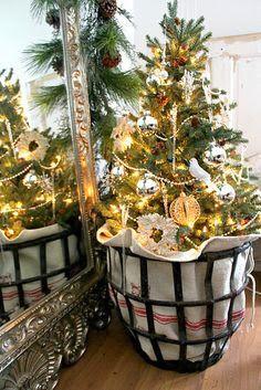 love this christmas tree idea
