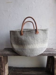 market bag - i could make this out of an ikea rug!Pretty basket for laundry or magazinesbeach bag/summer, needs some extra turquoise spray paint.grey and white bagRemember these bags from high school? We used them as our book bags! My Bags, Purses And Bags, Basket Bag, Clutch, Mode Inspiration, Beautiful Bags, Fashion Bags, Fashion Jewelry, Straw Bag