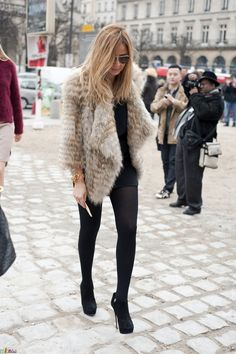 #Inspiration #Autumn #Black #Outfit #Fur #BiographyTrend #MidnightMemories #BiographyCollection #Biography
