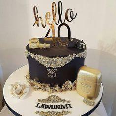 """Páči sa mi to: 1,592, komentáre: 4 – #No.1 Nigerian Cake Blog 🌐🌟🍰 (@cakebakeoffng) na Instagrame: """"✨🎉🎂❤️❤️💛💛👌 @Regrann from @bievents_and_cake - Happy 40th birthday to my dearest friend in whom am…"""""""