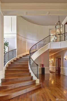 In-City oasis luxury homes dream home/decor ideas house stai Stair Railing Design, Home Stairs Design, Home Room Design, Modern House Design, Luxury Staircase, Foyer Staircase, Curved Staircase, Staircases, Dream House Interior