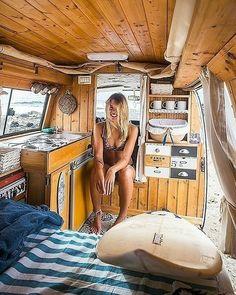 Wildcamping in Europa: Wo ist es erlaubt Living the van life - Creative Vans Bus Camper, Camper Life, Sprinter Camper, Kombi Trailer, Rv Travel Trailers, Cool Campers, Rv Campers, Camping Car Van, Camping Europe