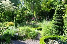 The Galloping Gardener: Docwra's Manor and Crossing House - two glorious gardens near Cambridge