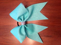 "3"" Tiffany Blue Glittery Cheer Bow..Like I said never a cheer leader but still cute! Cheer Coaches, Cheer Mom, Blue Cheer, Cheer Gifts, Cheer Stuff, Cheerleading Quotes, Cheerleading Bows, Cute Bows, Big Bows"