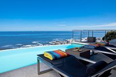 52 De Wet City Retreat - Stay in Bantry Bay, Cape Town, South Africa - www.Travelscape.co.za Outdoor Sofa, Outdoor Furniture Sets, Outdoor Decor, Boutique, Infinity Pool, House Property, Beste Hotels, Restaurant, Cape Town