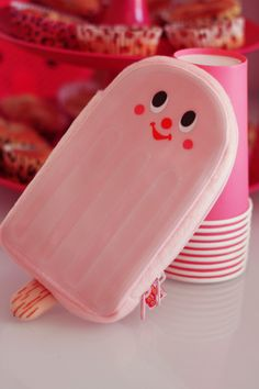 gladee pochette ice cream