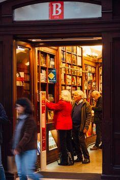 Para visitar a livraria mais antiga do mundo só tem de vir até à baixa de Lisboa e entrar na Bertrand! #viaverde #viagensevantagens #Portugal #Lisboa