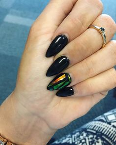 """Glass Nail"": The Nail Art that will Conquer You"