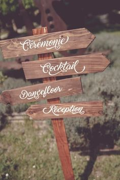 Directional signs wood pallet and paint to customize for weddings and parties Adele, Color Secundario, Wooden Arrows, Directional Signs, Everything Is Possible, Plantar, Secondary Color, Main Colors, Wood Pallets
