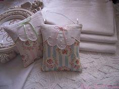 Coussin DE Porte Lavande Tissu Fleuri Shabby Bleu Broderie Ancienne Linge Ancien | eBay