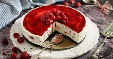 Málnás-fehércsokoládés-sajttorta recept képpel. Hozzávalók és az elkészítés részletes leírása. A Málnás-fehércsokoládés-sajttorta elkészítési ideje: 30 perc Cake Cookies, Cupcake Cakes, Cupcakes, Hungarian Recipes, Hungarian Food, Pavlova, Cakes And More, Cheesecakes, Fun Desserts