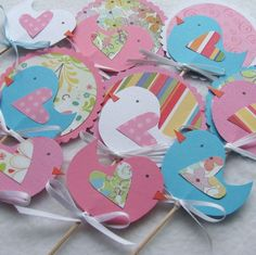 So cute! Great idea for birthday parties :) Little Birdie Cupcake Toppers: