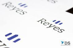 """Raúl Reyes, a lo largo de su historia como emprendedor y ahora empresario, ha conformado diversas actividades comerciales, que han sido desarrolladas a través de Estructuras metálicas con diversos productos y formas. Por ello y donde se atacó primordialmente, es identificar este producto como su gran valor agregado a la construcción de su empresa, dando así, un resultado de como """"Reyes"""". Este valor agregado se identificó para contener la propiedad y el desarrollo intelectual de sus obras."""