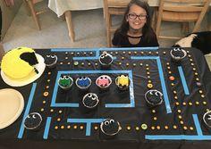 PAC-MAN themed birthday cake!