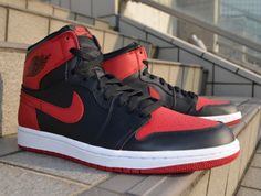 Air Jordan 1 Retro High OG Bred                        Drop: December 28