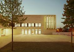 Escuela de Gramática Frankfurt-Riedberg  / Ackermann+Raff