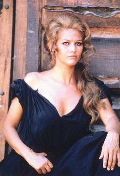 Claudia Cardinale a goddess