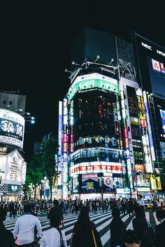 Shinjuku Nightlife by Paul J Morel on Flickr. Tokyo, Japan.  新宿 東京