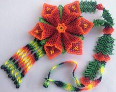 Mexican Huichol Beaded Flower Necklace and Earrings set por Aramara