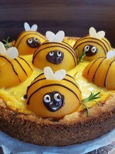 Ihanaa maaliskuuta Teille kaikille! Pakkasmittarista viis, nyt on kevät! Maaliskuu on minun kuukauteni, se on mahdollisuuksien, uusien alkujen ja kevään odotuksen parasta aikaa. Maaliskuu tuo iloa ja valoa, piteneviä päiviä ja herneenversoja ikkunal… Diy And Crafts, Sugar, Snacks, Cookies, Baking, Desserts, Food, Crack Crackers, Tailgate Desserts