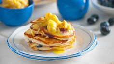 Blueberry pancakes with orange and honeycomb butter Stacks on! Light and airy, and smothered in orange and honeycomb butter, these pancakes are flippin' fantastic Breakfast Dishes, Breakfast Recipes, Snack Recipes, Cooking Recipes, Snacks, Breakfast Time, What's Cooking, Breakfast Ideas, Yummy Recipes
