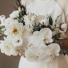 BLOG MARIAGE (@lamarieeauxpiedsnus) • Photos et vidéos Instagram Pots, Hello May, Big Flowers, Color Themes, Boho Wedding, Wedding Colors, Lush, Orchids, Marie