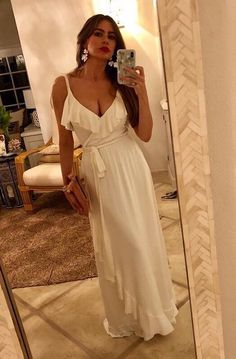 7 Summer Maxi Dresses Inspired by Sofia Vergara's Vacation Style Sofia Vergara Dress, Sophia Vergara, Modest Dresses, Casual Dresses, Fashion Dresses, Summer Dresses, Dress To Impress, Bohemian Style, Celebrity Style