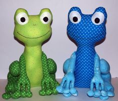 Frog PDF Sewing Pattern soft toy Direct Download por TheMinersWife