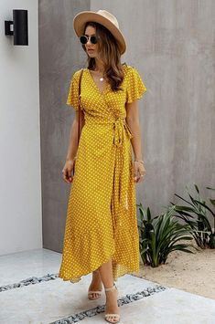 Polka Dot Summer Dresses, Boho Summer Dresses, Modest Dresses, Cute Dresses, Wrap Dresses, Wrap Dress Outfit, Casual Dress Outfits, Yellow Maxi Dress Outfit, Ethnic Fashion