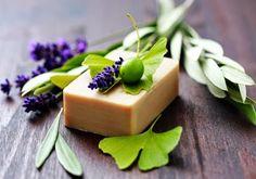 Soap Recipes For Beginners - homemade soap Diy Beauty Hacks, Soap For Sensitive Skin, Green Tea Face, Face Soap, Homemade Soap Recipes, Best Soap, Recipes For Beginners, Home Made Soap, Soap Making