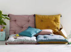 Empiler des matelas déco pour un canapé d'appoint - Le Blog déco de MLC