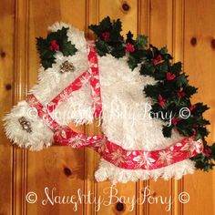 Horse Head Wreath! By: BootsNSpurs (old shop name: NaughtyBayPony)