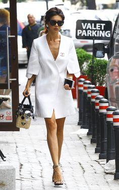 Cristina ICH Chanel Fashion, Love Fashion, Womens Fashion, Style Fashion, Work Chic, Walk This Way, Street Style Women, African Fashion, Dress To Impress