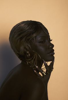 Beautiful Black Girl, Pretty Black Girls, Black Girl Art, Black Girl Magic, Black Girl Aesthetic, Aesthetic Hair, Pretty People, Beautiful People, Vintage Black Glamour