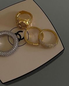 Cute Jewelry, Gold Jewelry, Jewelry Accessories, Jewellery, Luxury Jewelry, Chanel Couture, Parfum Chanel, Beige Aesthetic, Statement Jewelry
