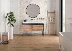 Глянцевый золотистый металлический бордюр в ванной комнате - стильный элемент декора. Бордюр для плитки способен освежить интерьер, подчеркнуть цвет плитки, мебели, добавить акцент #декор#бордюрдляплитки#уютнаякомната#модерн#керамогранит#плитка#золото#трендыдизайна Calacatta, Mirror, Bathroom, Furniture, Home Decor, Washroom, Decoration Home, Room Decor, Mirrors