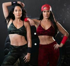 Love these strong ladies and loving my new camo workout sets! Nikki Bella Photos, Nikki And Brie Bella, Wrestling Divas, Women's Wrestling, Female Wrestlers, Wwe Wrestlers, The Fabulous Moolah, Bella Sisters, The Bella Twins