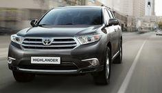 O modelo Highlander Hybrid da Toyota oferece uma escolha para os fãs do cruzamento entre o motor a gasolina de quatro cilindros e seis cilindros e os modelos a gás elétricos híbridos, garantindo grande potência.
