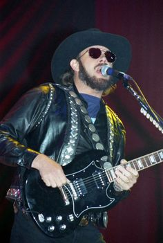 Hank Jr performing at Halenbeck Hall in St. Cloud State University Archives on March 31, 1995.