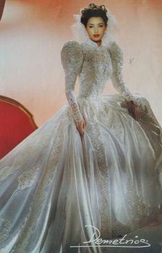Gorgeous Wedding Dress, Dream Wedding Dresses, Bridal Dresses, Beautiful Dresses, Wedding Gowns, Vintage Gowns, Vintage Bridal, Fairytale Gown, Bridal Style
