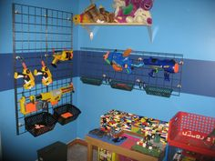 So many nerf guns--so little time! So here are loads of fun ideas on nerf gun storage so you can get them off the floor and organized! Nerf Gun Storage, Toy Storage, Weapon Storage, Storage Rack, Storage Ideas, Arma Nerf, Nerf Party, Toy Rooms, Kids Rooms