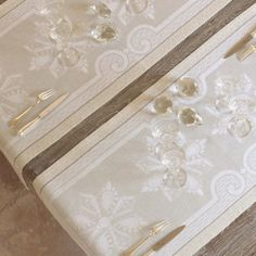 Diamant Crystal Runner 22 x 59 in | Gracious Style