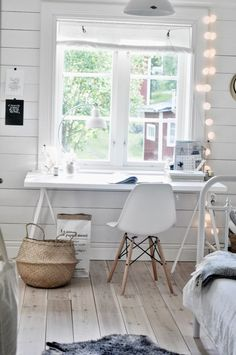 Natural light perfect for sewing dark colours | Workspace | Home Office Details | Ideas for #homeoffice | Interior Design | Decoration | Organization | Architecture | White Desk | Chair