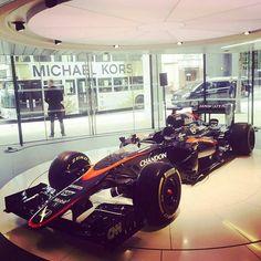 #Repost @mclaren  Perfectly timed shot courtesy of the McLaren London showroom and a Michael Kors London bus. Too cool. #F1 #McLarenHonda #MichaelKors