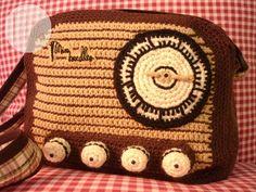 Bolso radio hecha a ganchillo