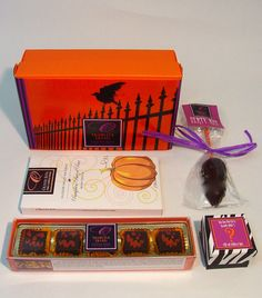 Ghoulish #Chocolates Gift Box: 1 Five Piece Mini Scream Scaramels, 1 Pumpkin Pretzel Bar with Toffee, 1 Fate and Fortune Box from Voo Doo Priestess Bloody Mary, 1 Dirty Dead Rat.